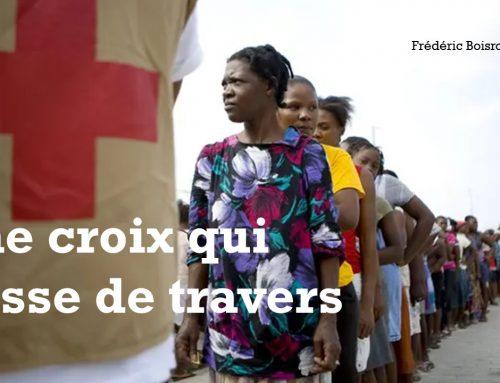 UNE CROIX QUI PASSE DE TRAVERS